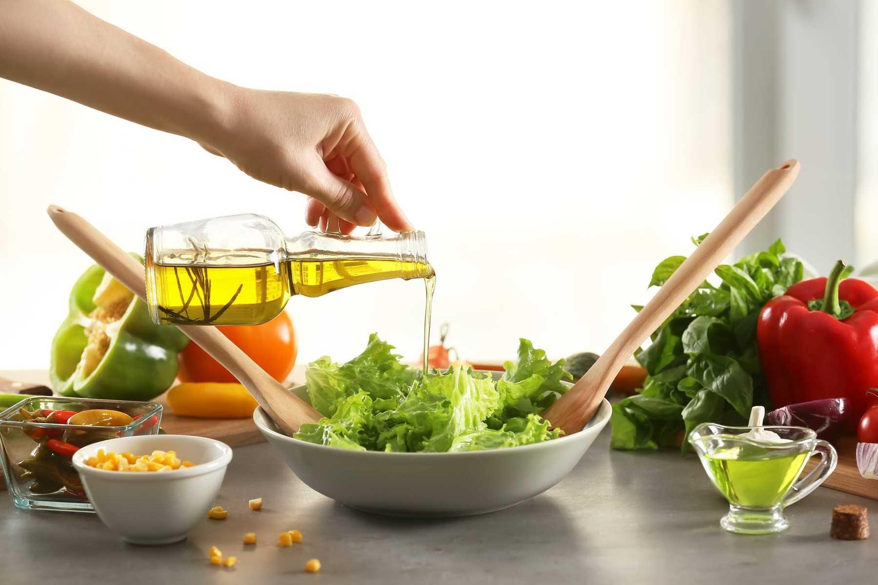 Thành phần dinh dưỡng của dầu oliu, công thức chế biến món ăn từ dầu này - Santorino